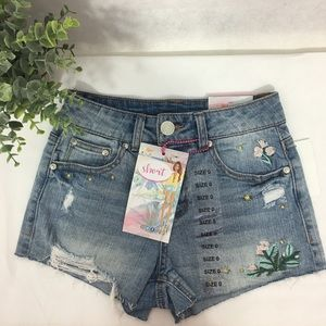 Almost Famous high waisted jean shorts NWT distres